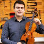 Vitor Ahumada professor de Construção de Violino e Violoncello