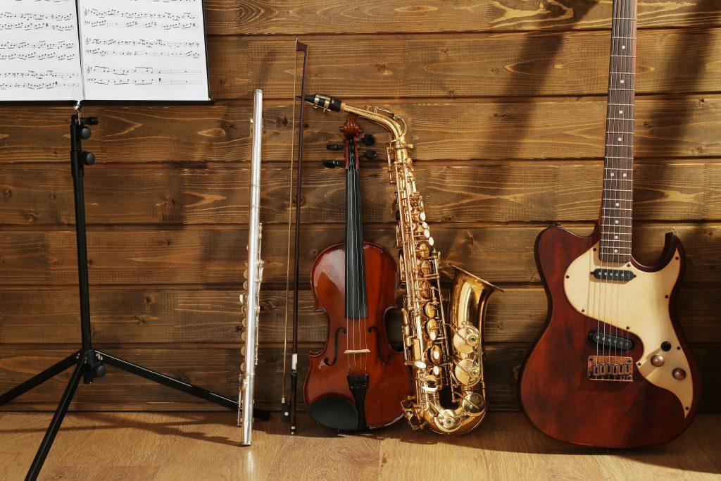 Aula de Música, Bateria, Aula de Bateria, Aula de violão, Aula de guitarra, Aula de saxofone Aula de trompete, Aula te canto , aula de teclado, aula de música
